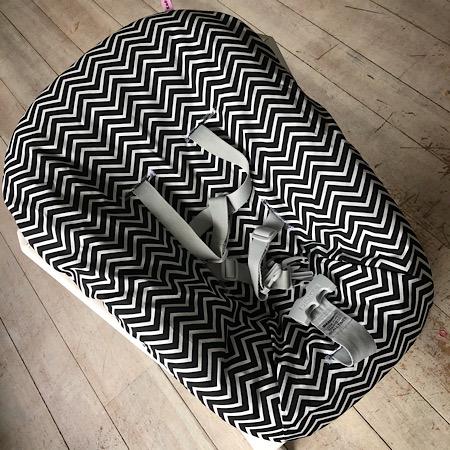 Stokke Newborn hoes nieuw model! Zigzag zwart wit