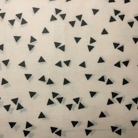 Op Bestelling Stokke Steps kussenset wit met zwarte driehoekjes