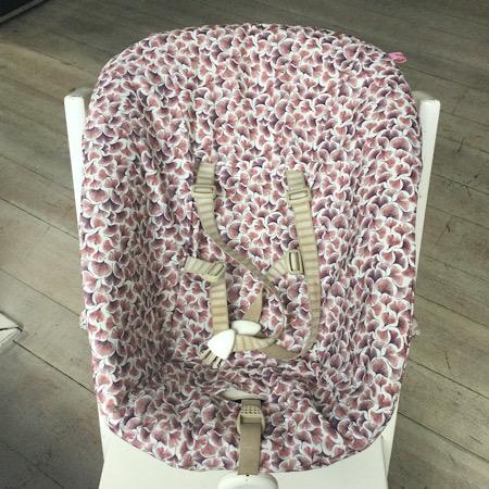 Stokke Newborn hoes Botanisch digitale print gingo paars
