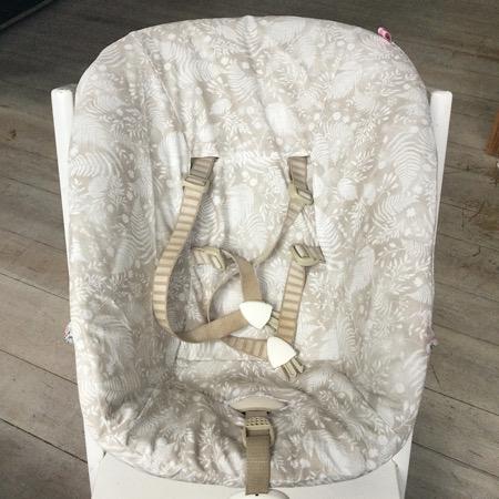 Stokke Newborn hoes Botanisch digitale print beige